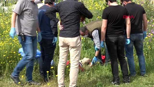 Antalya'da boş arazide erkek cesedi bulundu