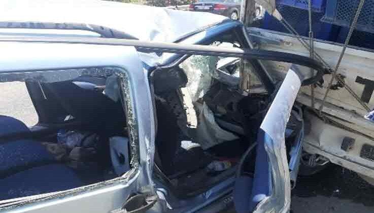 Ticari araç kamyonete arkadan çarptı: 1 yaralı