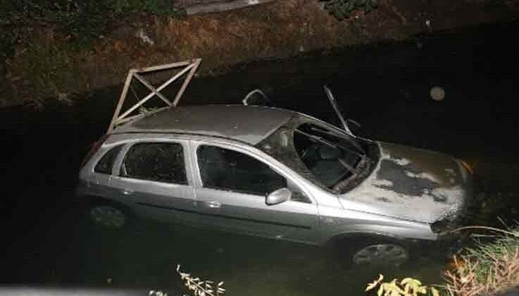 Sulama kanalına uçan otomobilden burnu bile kanamadan çıktı