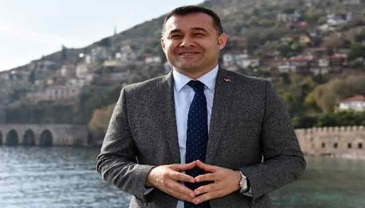 Tatilcilerin akın ettiği Alanya'nın nüfusu 1.5 milyona yaklaştı