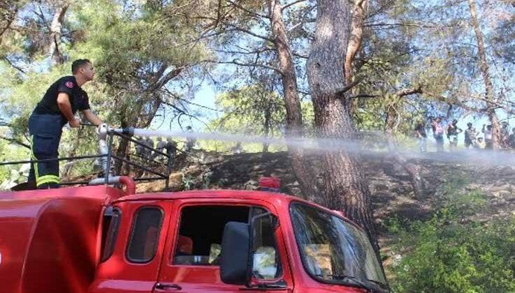 Kemer'de iki farklı noktadaki orman yangını söndürüldü