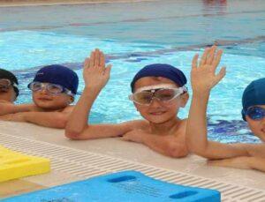 Elmalı'da ASFİM yüzme kurslarına yoğun ilgi