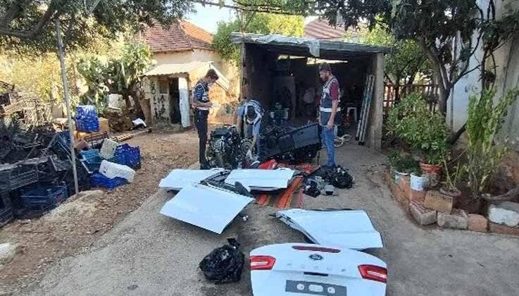 Muğla'dan çalınan 300 bin TL'lik otomobil, Antalya'da parçalanmış halde bulundu