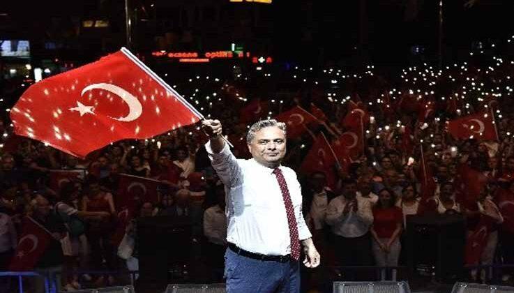 Zafer Bayramı'nda Muratpaşa'da Pinhani konseri