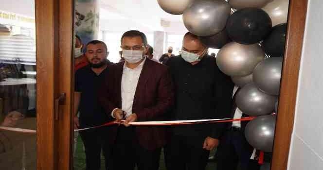 Finike Anadolu Lisesine z-kütüphane açıldı